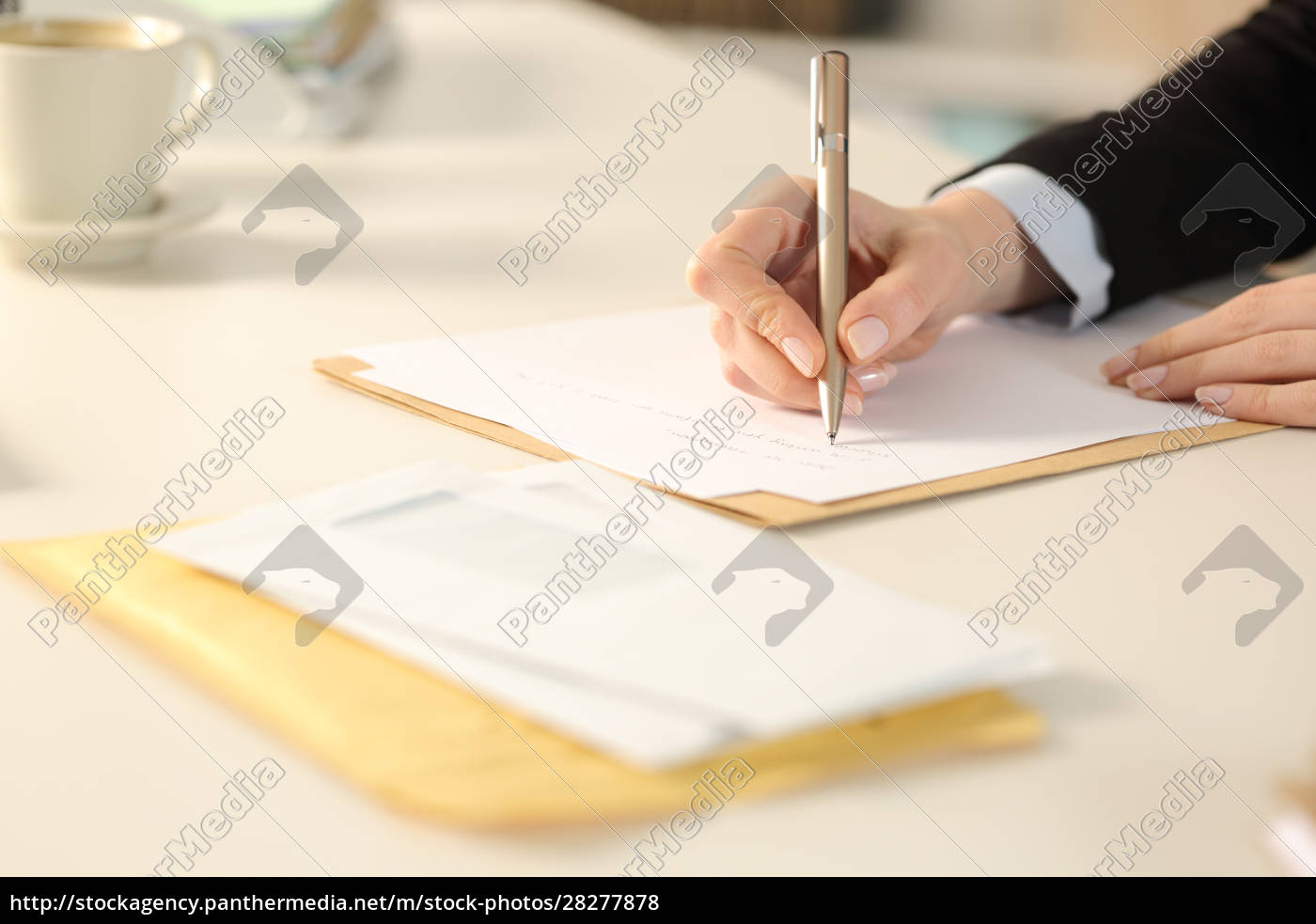 business, woman, hand, writing, letter, at - 28277878