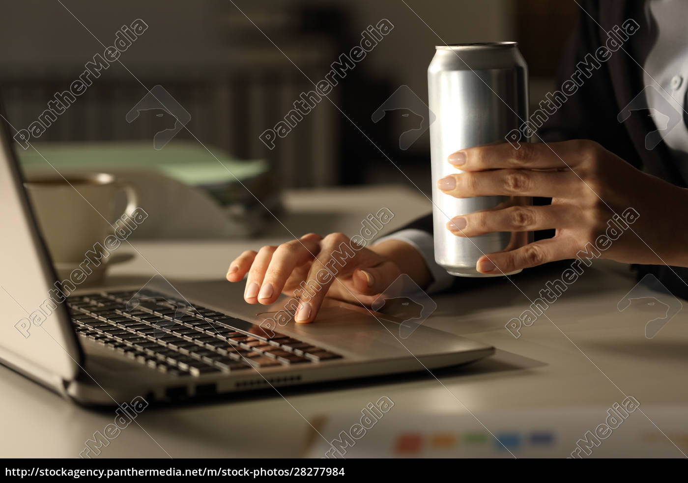 executive, hands, with, laptop, holding, energy - 28277984