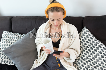 stay, at, home., social, distancing., woman - 28277787
