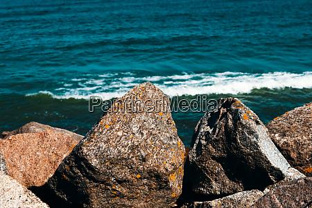 large, stones, lie, on, the, beach - 28278740
