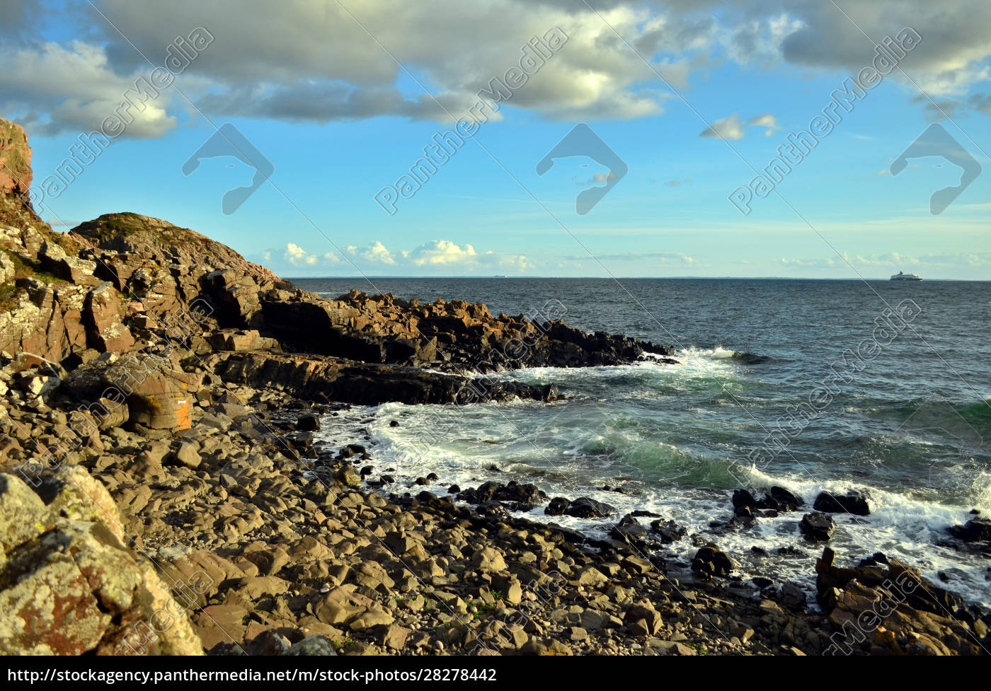 rocky, coastline, near, molle, in, sweden - 28278442