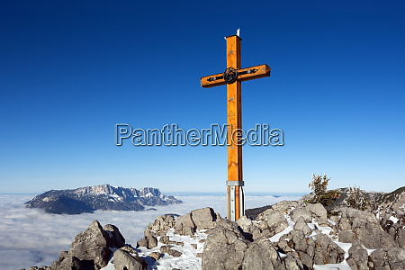 a, holy, summitcross, in, the, alps - 28279288