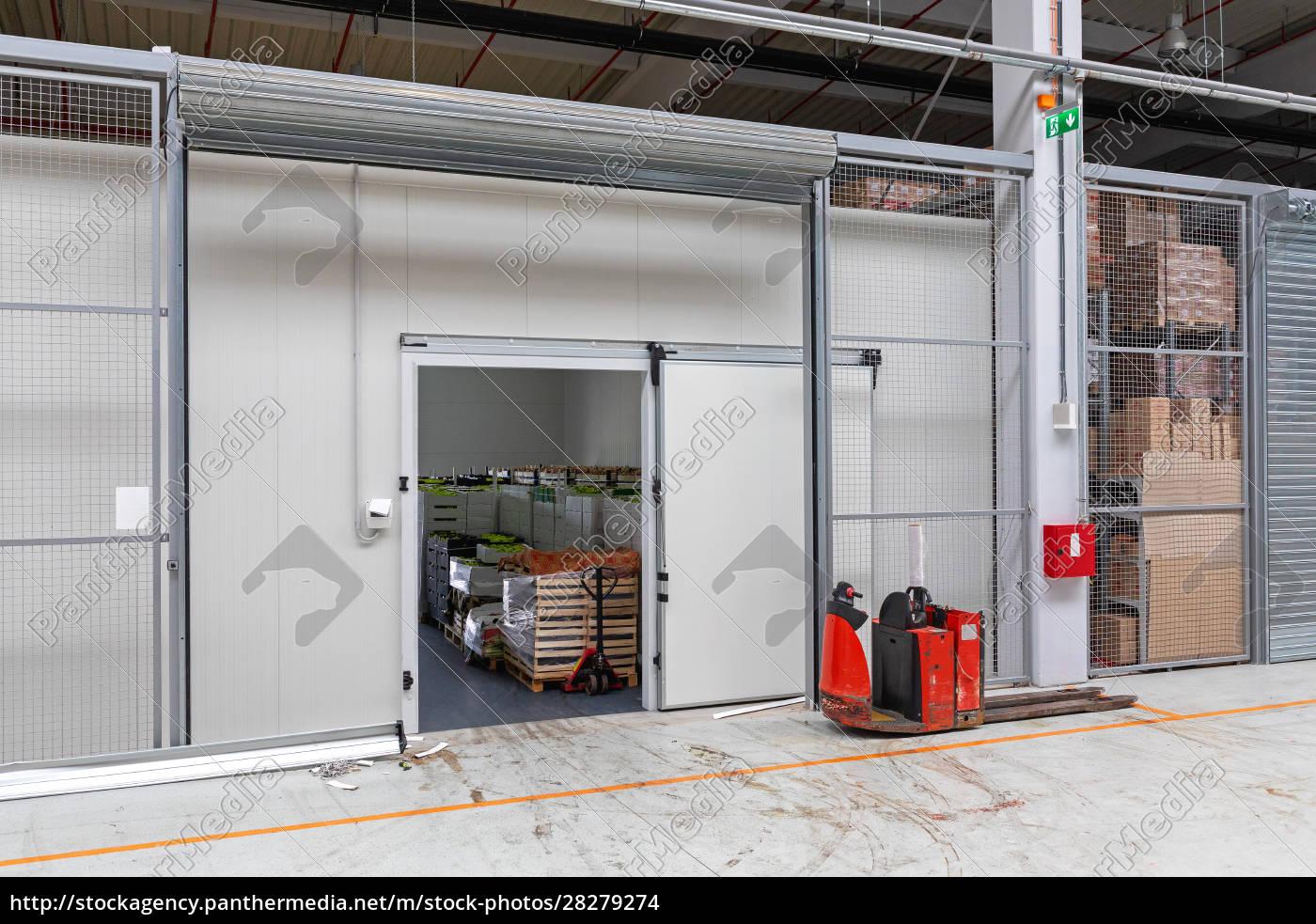 pallet, truck, warehouse - 28279274