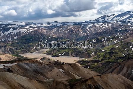 volcanic, mountains, of, landmannalaugar, in, fjallabak - 28280189