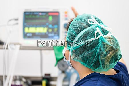 covid 19 outbreak healthcare worker nurse