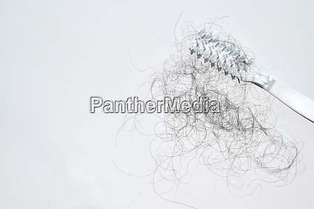 bad combing causes hair damage