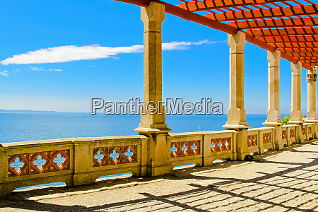 seaside columns
