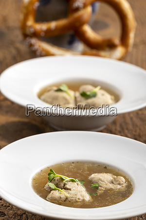 dumpling in broth