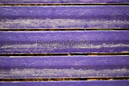 dusty bright purple aluminium baars
