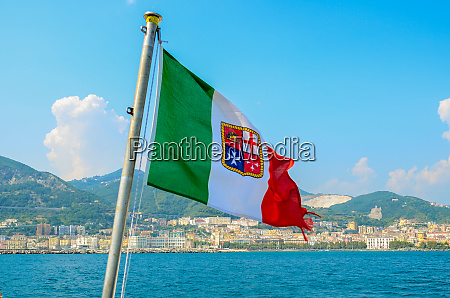 civil ensign of italy national flag