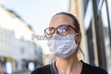 covid 19 pandemic coronavirus young girl