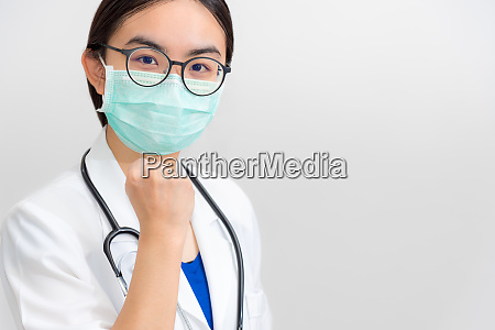 doctor raise fists to encourage patient