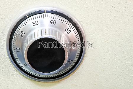 safe dial 2