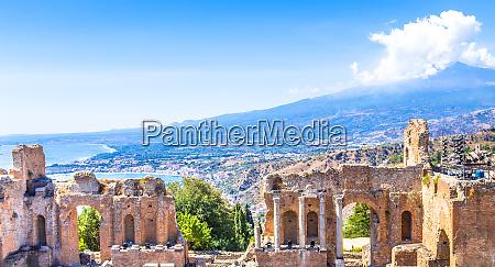 greek theater in taormina and etna