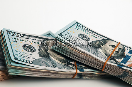 a bundle of one hundred dollar