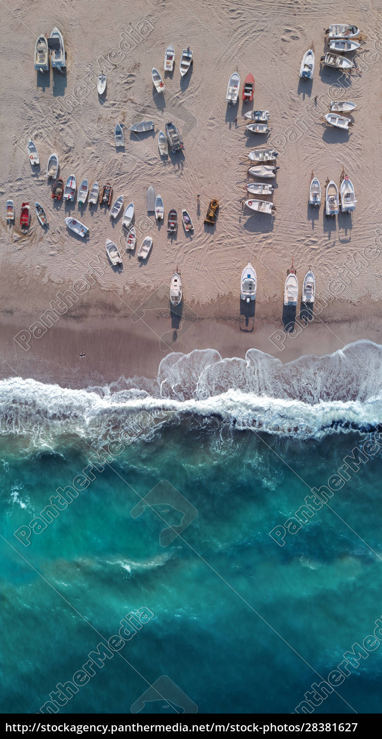aerial, view, of, many, boats, ashore - 28381627