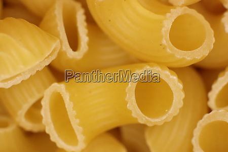 italian horns pasta texture uncooked macaroni