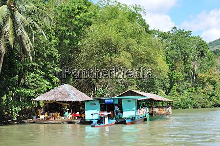 boat tripp on the loboc river