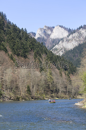 rafting on the dunajec river wooden