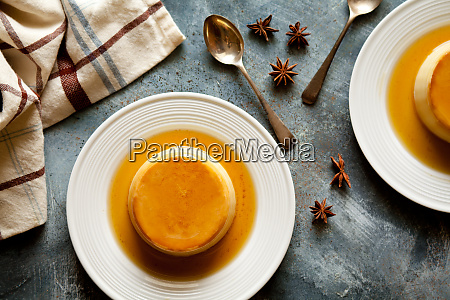 homemade caramel pudding