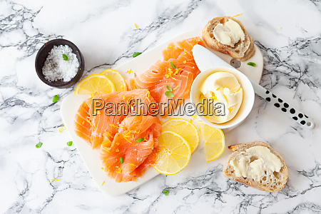 smoked salmon with fresh lemon