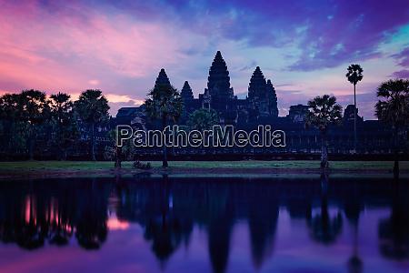 angkor wat famous cambodian landmark