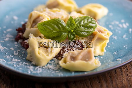 tortellini with olive oil on a