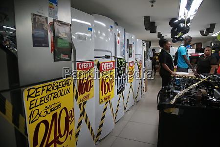 shopping during black friday promotion