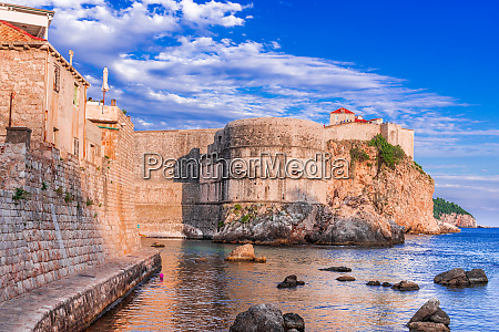 dubrovnik croatia ragusa medieval city walls