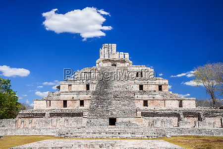 edzna mayan city campeche mexico