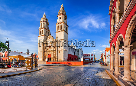 campeche mexico independence plaza