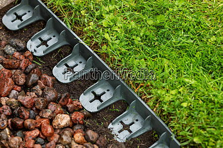 landscaping plastic lawn edging in
