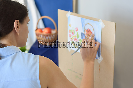 novice artist tries to paint still