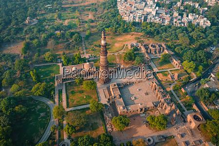 aerial view of empty qutub minar