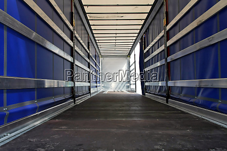 lorry horizontal