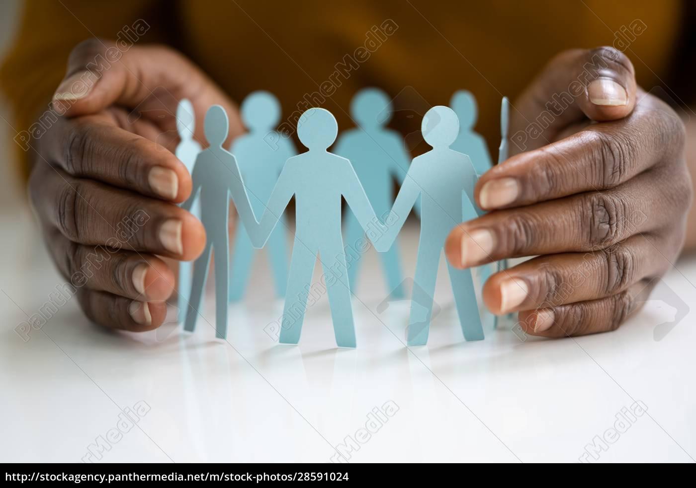 employee, or, insurer, hand, protecting, figures - 28591024