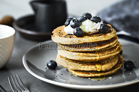 banana oat pancakes with blueberries coconut
