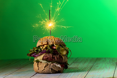home, made, cheeseburger, on, dark, wood - 28607336
