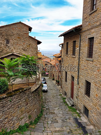 traveling in toscana italy