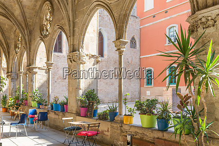 the cafeteriastudent cafeteria in the cloister