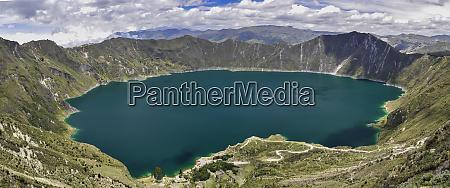 laguna quilotoa crater lake ecuador