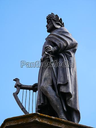 monument of the poet poet troubadour
