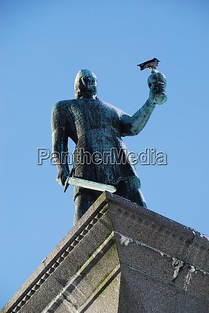 monument of the viking king olav