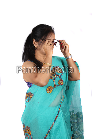indian woman wearing spectacles