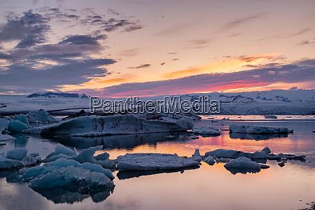 sunset in jokulsarlon iceland