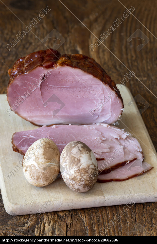 ham, on, a, cutting, board, for - 28682396