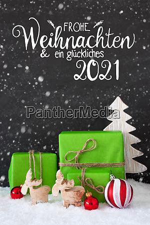 green gift ball snowflakes tree glueckliches