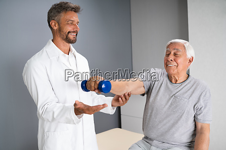 physical therapy elderly therapist
