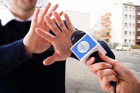 journalist press interview question refuse
