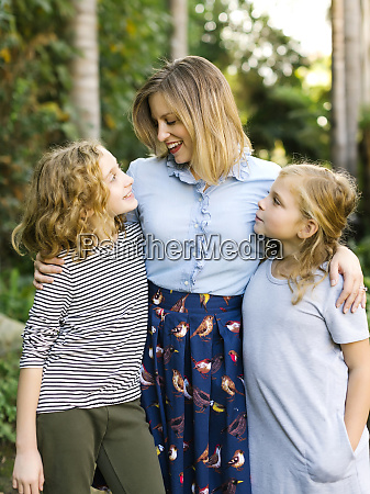 portrait of mother with daughters 8